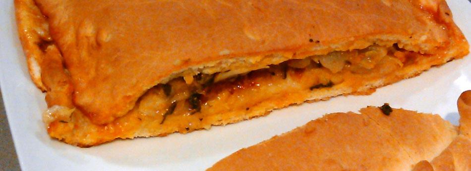 Empanada de acelgas, chorizo y panceta