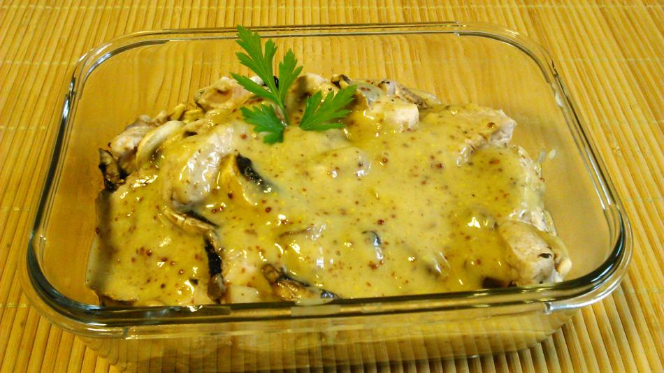 Solomillo de pavo con champiñones y salsa de mostaza