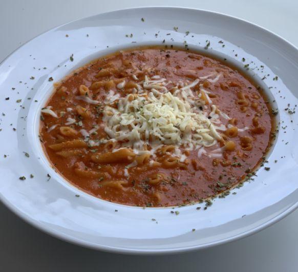 Macarrones con tomate y chorizo XL
