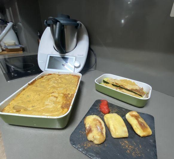 MENÚ COMPLETO: LASAÑA, CALABACINES RELLENOS Y TOSTADAS DE PAN
