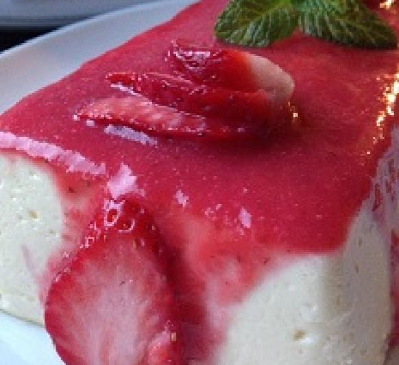 Cheesecake ligero con coulis de fresas, en Thermomix®