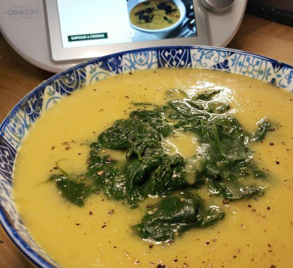 Sopa de garbanzos con espinacas en 27 minutos con Thermomix®